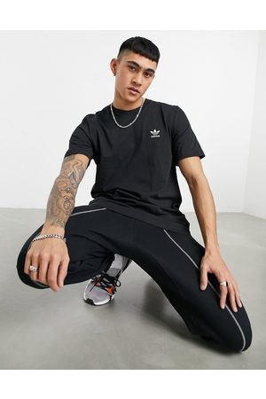 adidas Essentials t-shirt in black with small logo