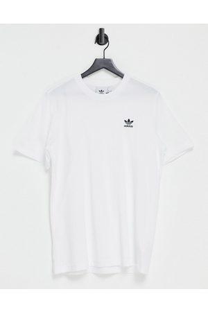 adidas Muži S krátkým rukávem - Essentials t-shirt in white with small logo