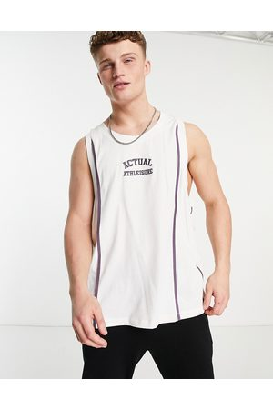 ASOS Muži Vesty - Athleisure basketball vest in ecru with embroidered chest logo and seam detail-White
