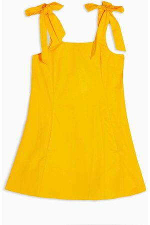 Topshop Ženy Na párty - Mini dress with tie shoulder detail in yellow