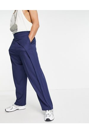 ASOS Muži Chino - Wide leg smart trouser with asymmetric pleat in navy
