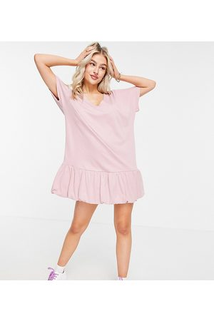 ASOS ASOS DESIGN Petite bubble hem v front short sleeve dress in Rose-Pink