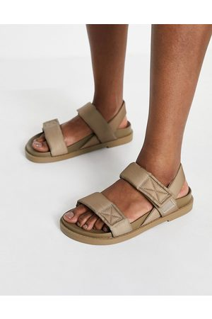 Monki Bebe padded dad sandals in taupe-Neutral