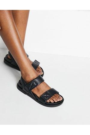 Monki Ženy Sandály - Bebe faux leather dad sandals in black