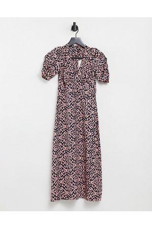 Miss Selfridge Ženy Volnočasové - V neck spot midi dress in pink spot