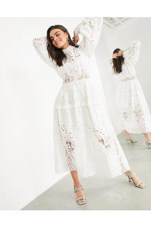 ASOS Ženy Volnočasové - Broderie shirt dress in white
