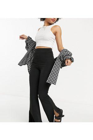 Reclaimed Vintage Ženy Úzké nohavice - Inspired slim flare trouser in black
