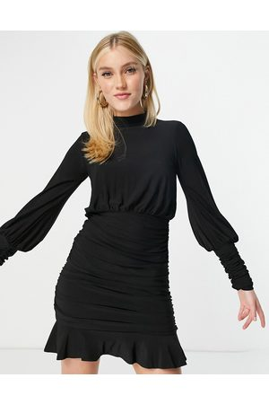 Lipsy Ženy Na párty - Ruched skirt detail mini dress in black