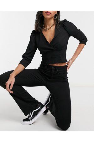 Only Kick flare jean in black