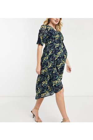 Hope & Ivy Maternity Kimono knot front midi dress in navy floral