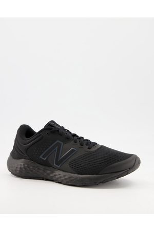 New Balance Running 520 v7 trainers in triple black