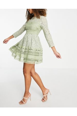 ASOS Ženy Na párty - Premium lace mini skater dress in sage green