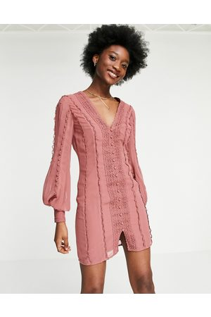 ASOS Ženy Na párty - Blouson sleeve Mini dress with lace and button detail in Blush-Pink