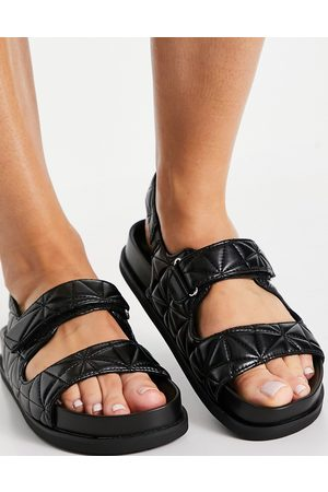 Pull&Bear Ženy Sandály - Quilted grandad sandal in black