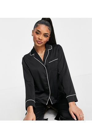 ASOS Ženy S dlouhým rukávem - ASOS DESIGN Petite satin long sleeve shirt & trouser pyjama set in black
