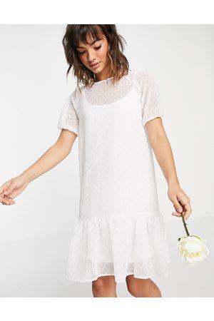 Vila Ženy Midi - Bridal midi smock dress with puff sleeves and frill hem in white