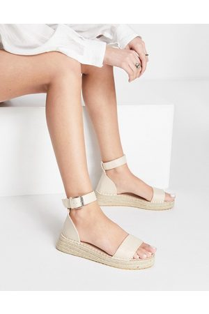Truffle Collection Chunky espadrille flat sandals in beige-Neutral