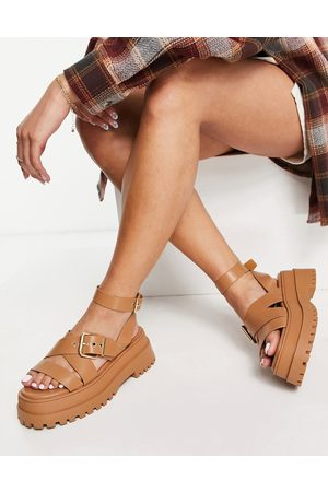 Public Desire Ženy Sandály - Follow chunky sandals with ankle strap in camel-Neutral