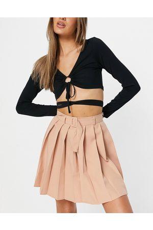 Parisian Pleated tennis skirt with belt in beige-Brown