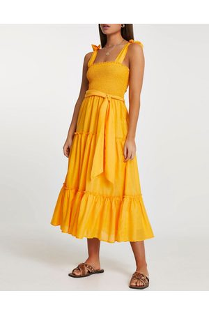 River Island Ženy Volnočasové - Shirred midi beach dress in orange