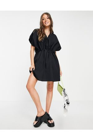 ASOS Ženy Na párty - Cotton mini smock dress in black