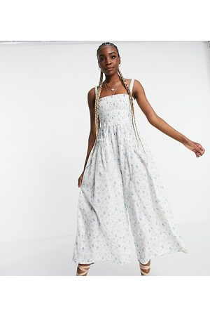 ASOS Tall Ženy Overaly dlouhé - ASOS DESIGN tall shirred elastic back jumpsuit in meadow floral-Multi