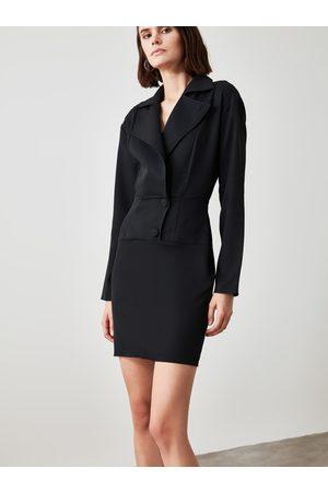 Trendyol Černé pouzdrové šaty