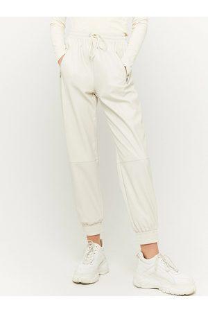 Tally Weijl Ženy Kožené kalhoty - Krémové koženkové kalhoty