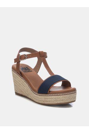 Xti Modro-hnědé sandálky na klínku