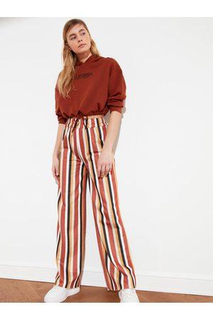 Trendyol Žluto-hnědé pruhované široké kalhoty