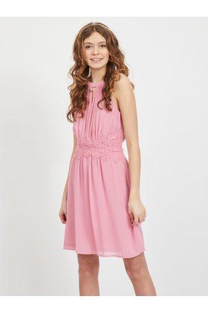 VILA Růžové společenské šaty