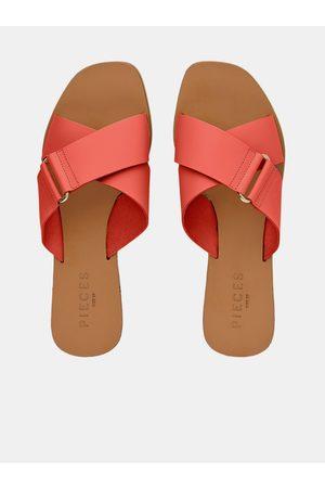 Pieces Korálové kožené pantofle Nea