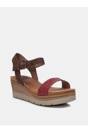 Xti Červeno-hnědé sandálky na klínku