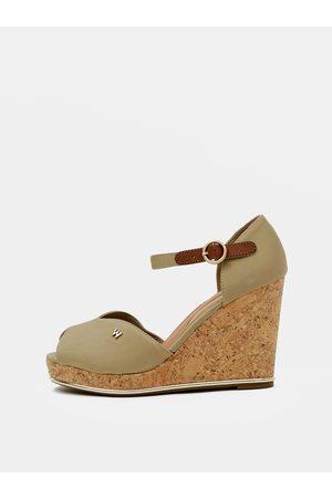 Wrangler Béžové dámské sandálky na klínku