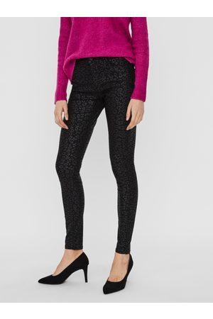VERO MODA Černé vzorované skinny fit kalhoty s povrchovou úpravou