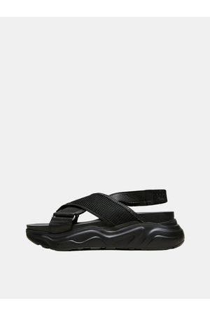 SELECTED Černé kožené sandály Follie