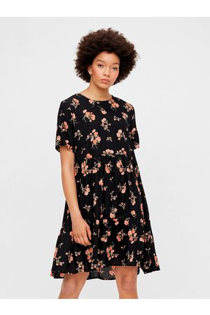 Pieces Černé květované volné šaty Trina