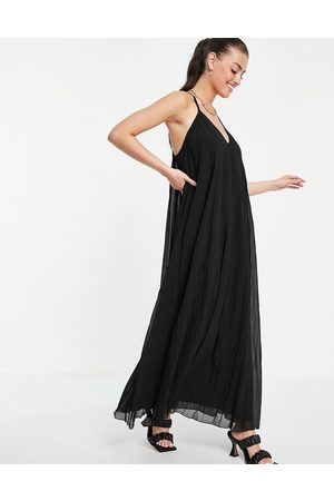 ASOS Ženy Maxi - Pleated cami trapeze maxi dress in black