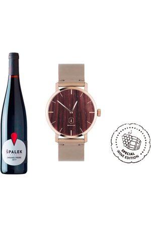 BeWooden Dřevěné hodinky Red Wine Watch s řemínkem z pravé kůže
