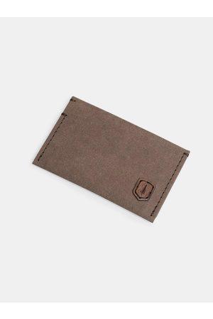 BeWooden Hnědý vizitkovník z pratelného papíru Brunn Washpaper Card Holder