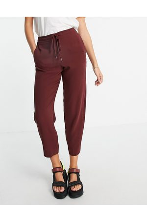 MANGO Ženy Legíny - Cropped trousers in wine-Red