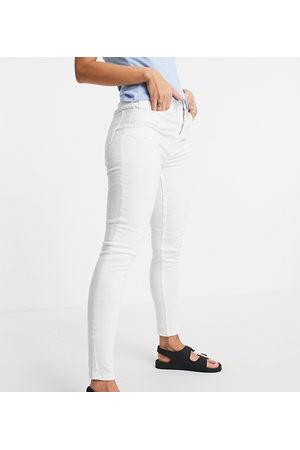 Reclaimed Vintage Inspired the 90' skinny jean in optic white