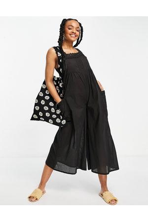 ASOS DESIGN Ženy Overaly dlouhé - Broderie trim jumpsuit in black