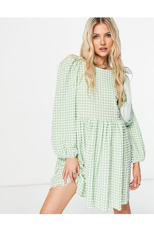 ASOS Ženy Volnočasové - Textured mini smock dress with strappy back in green and white gingham-Multi