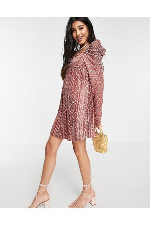 ASOS Ženy Volnočasové - Plisse ruched mini dress with ruched long sleeve in rust floral-Red