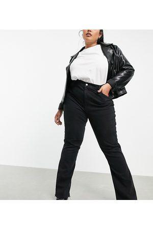 ASOS Ženy S vysokým pasem - ASOS DESIGN Curve high rise '70's' stretch flare jeans in washed black