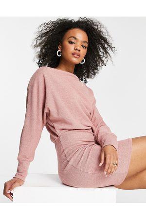 Lipsy Ženy Volnočasové - Cosy slash neck mini dress in rose-Pink