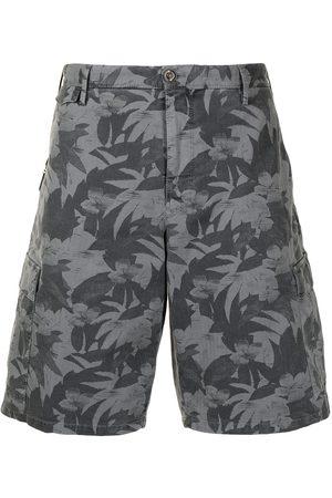 PT01 Muži Bermudy - Leaf-print bermuda shorts
