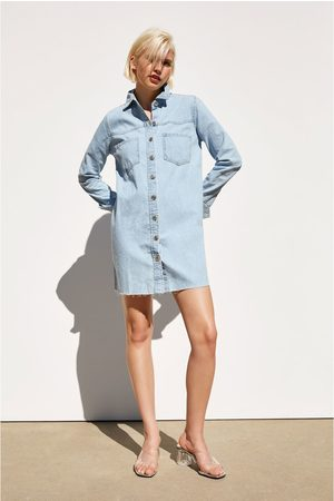 f0ce6a80f8 Nakupujte dámské Šaty značky Zara Online