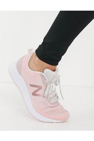 New Balance Ženy Sportovní boty - Running Freshfoam Arishi trainers in pale pink